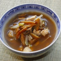 Low-Fat Chicken, Beansprout and Mushroom Soup