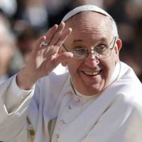 Pope takes Syrian Muslim refugees to Rome